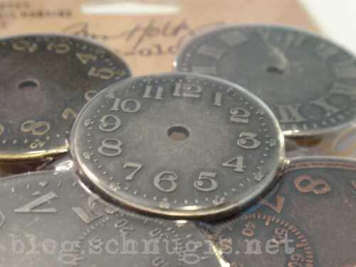 Tim Holtz Krams: wie gross, wie dick, wie schwer? Schlüssel, Ziffernblätter und anderer Krams